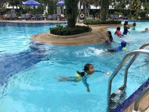 Pool time )_180220_0026