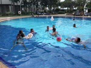 Pool time )_180220_0027