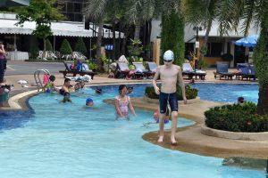 Pool time )_180220_0034